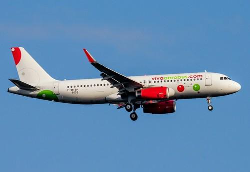 самолет VivaAerobus
